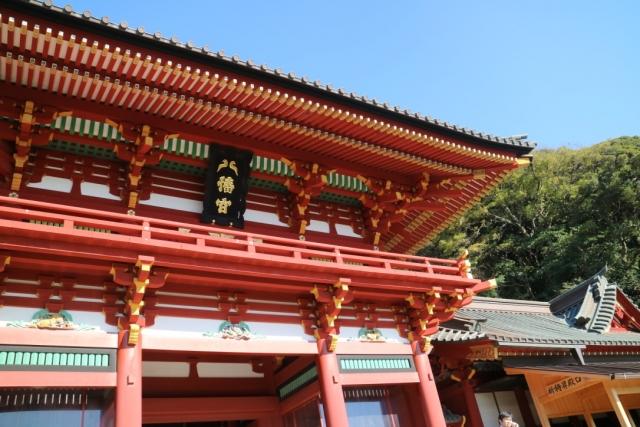 鶴岡八幡宮例大祭2018年の日程や見どころは?小町通りの食べ歩きグルメも紹介!