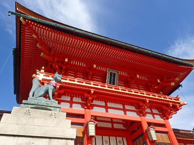 伏見稲荷大社の初詣2019の参拝時間や屋台を紹介!混雑を避けてご利益にあずかろう!
