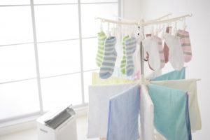 靴下を早く乾かす方法3選!雨の日でも大丈夫な裏技とは?