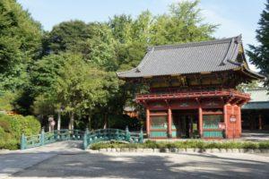 根津神社の初詣2019の屋台や混雑予想を紹介!デートに最適と言われる秘密とは?