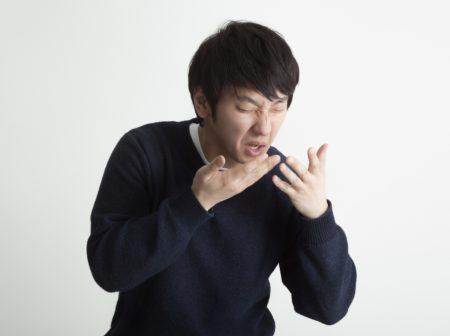 くしゃみがうるさい人の原因とは?職場の同僚や家族に教えたい3つの対策法を紹介!
