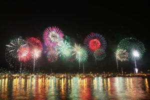 幕張ビーチ花火フェスタ2018年の日程や穴場スポットは?有料席情報も紹介!